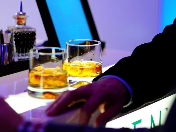 glass-restaurant-bar-celebration-meal-color-856365-pxhere.com